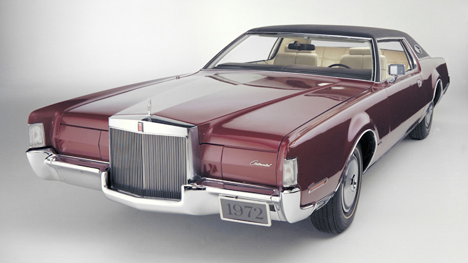 1972 Lincoln Continental Mark IV red front three quarters studio shot