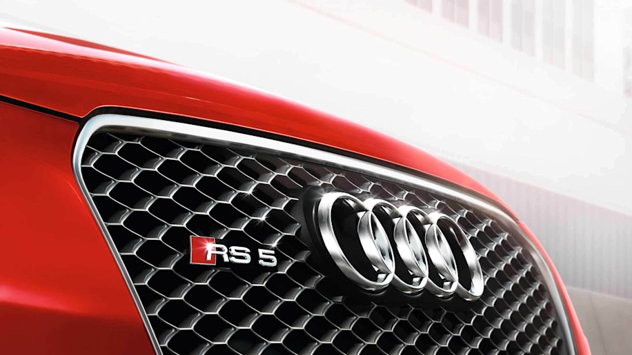 Audi RS 5 grille and badge