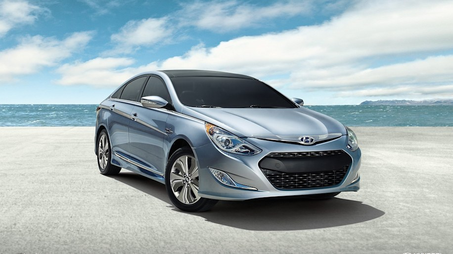 Hyundai Sonata Hybrid in light blue