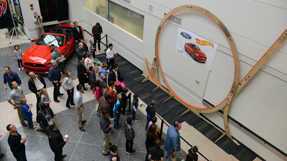 world's largest hot wheels loop