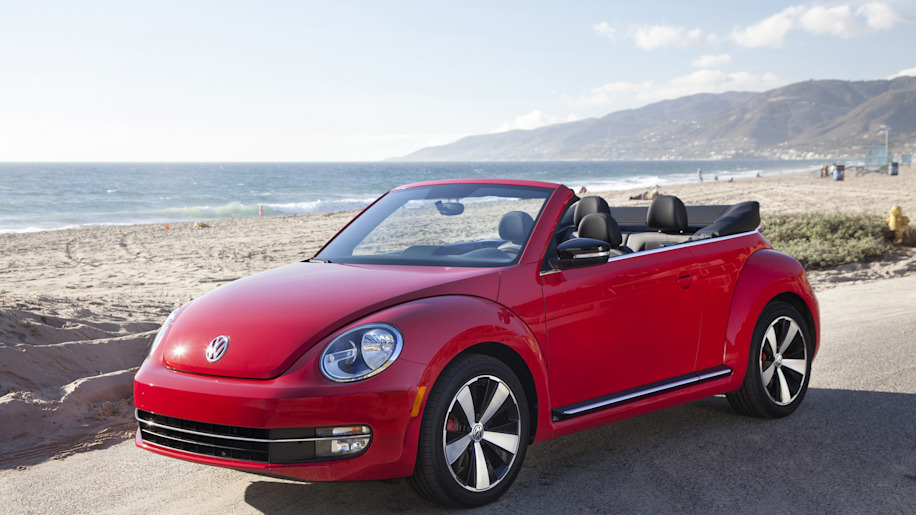 2015 VW Beetle convertible in red on the beach