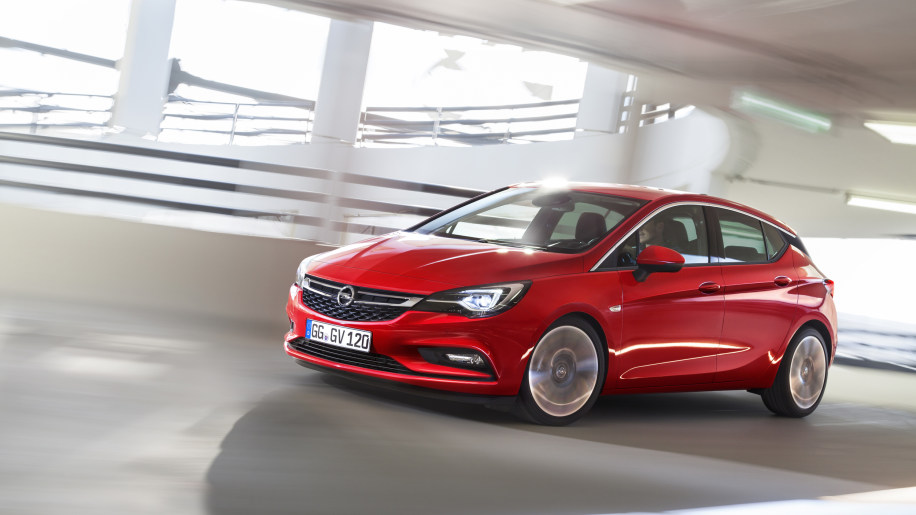 2016 Opel Astra front 3/4 ramp