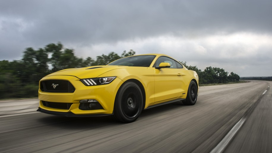 yellow hennessey performance hpe750 mustang high speed run