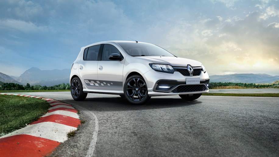 Renault Sandero RS 2.0 white track front 3/4