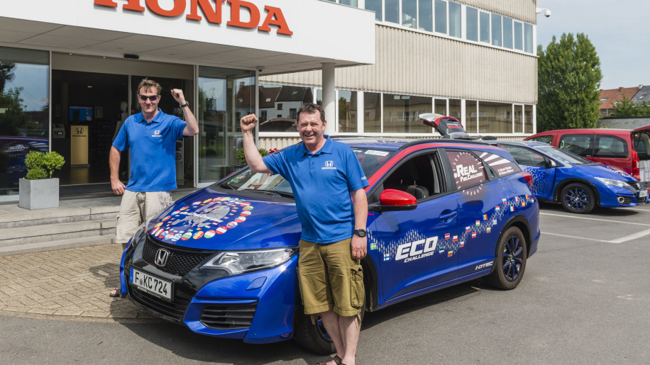 honda civic tourer guinness world record