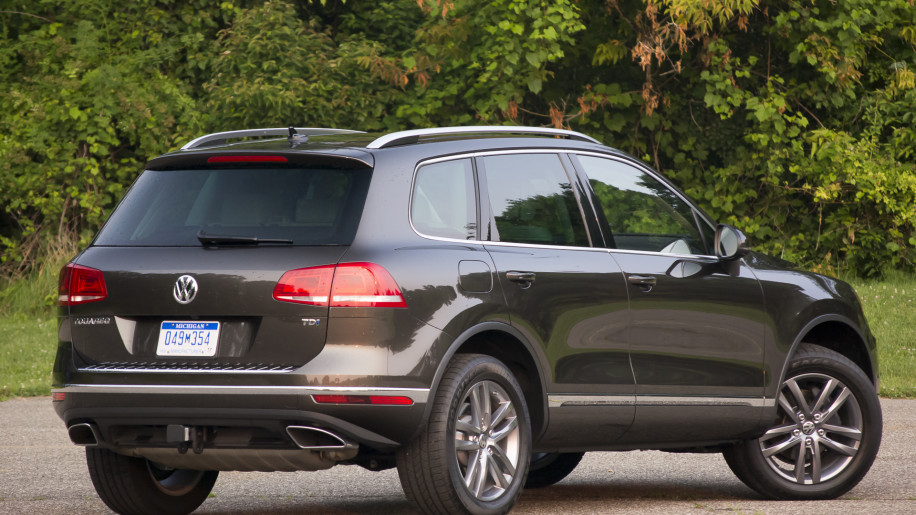 2015 volkswagen touareg tdi quick spin w video autoblog. Black Bedroom Furniture Sets. Home Design Ideas