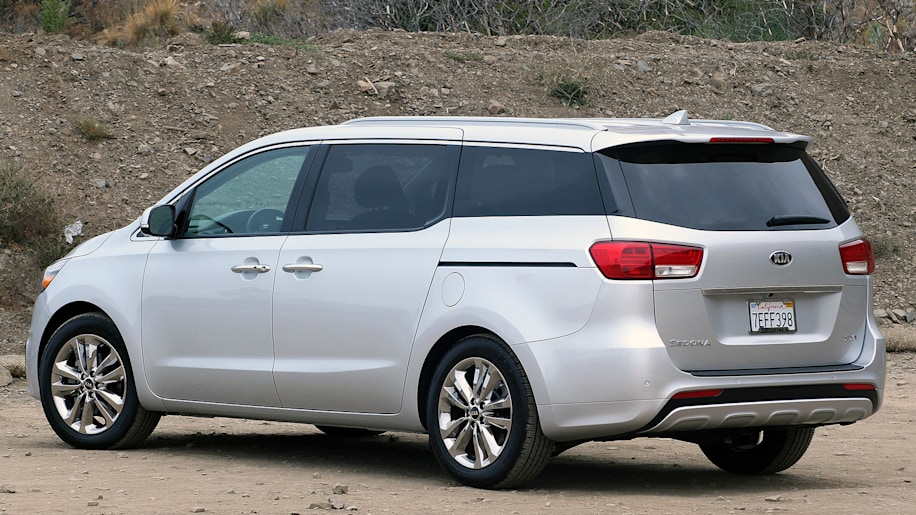 sxl two minivan box batters the sedona rainbow steps strikes with kia into review haven