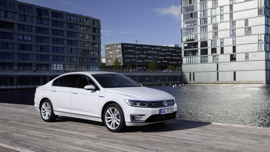 volkswagen passat gte photo gallery autoblog. Black Bedroom Furniture Sets. Home Design Ideas