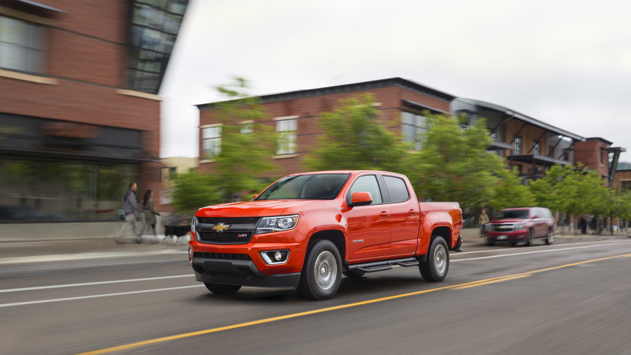 red 2016 chevy colorado duramax front three quarters