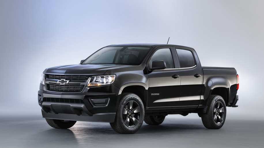 chevy colorado gets midnight trail boss editions autoblog. Black Bedroom Furniture Sets. Home Design Ideas