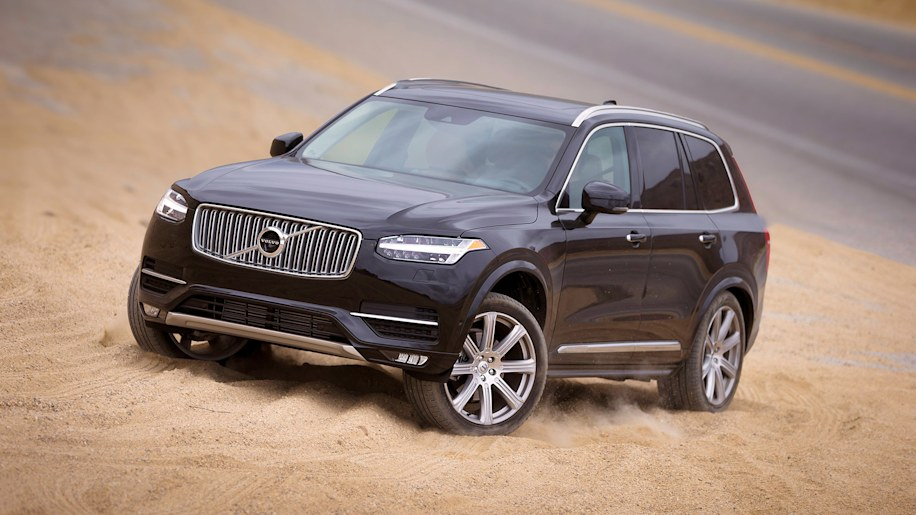 2016 Volvo XC90 lookin' good in the sand