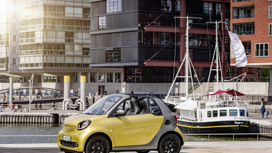 The 2016 Smart Fortwo Cabriolet, front three-quarter static.