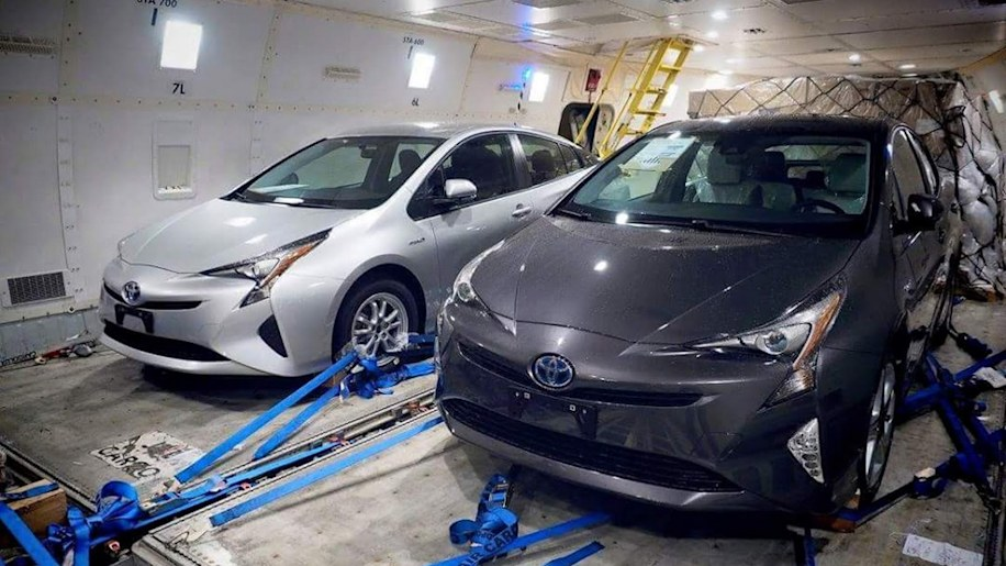 2016 Toyota Prius caught totally undisguised
