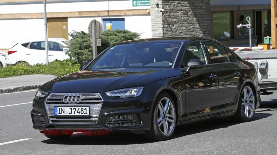 2017 Audi S4 spied front 3/4