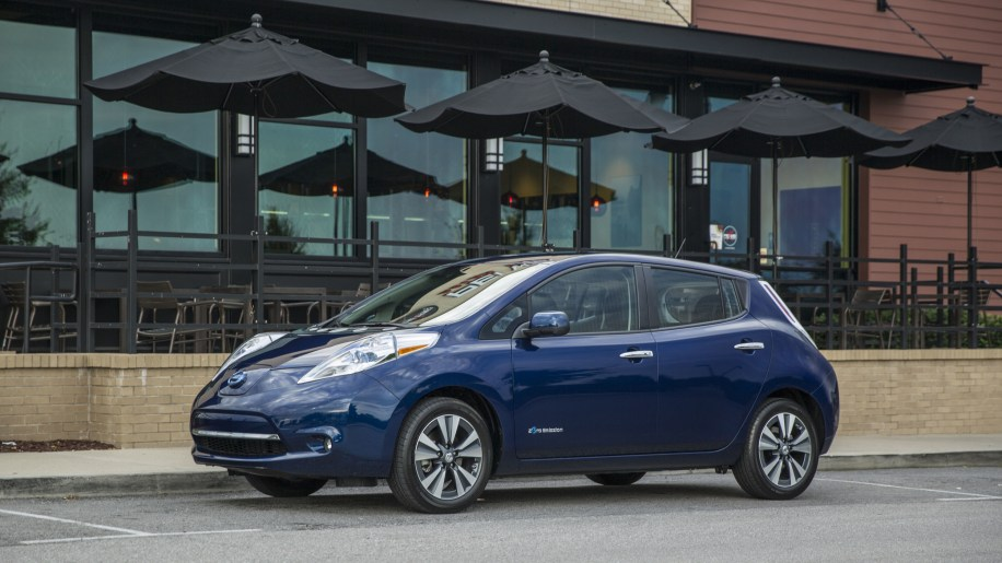 2016 Nissan Leaf blue front 3/4 static