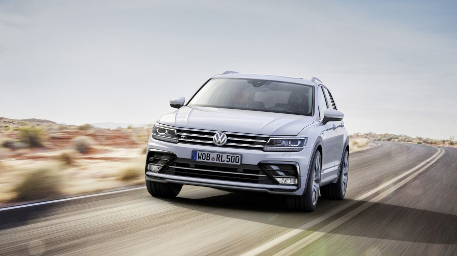 volkswagen tiguan r line photo gallery autoblog. Black Bedroom Furniture Sets. Home Design Ideas