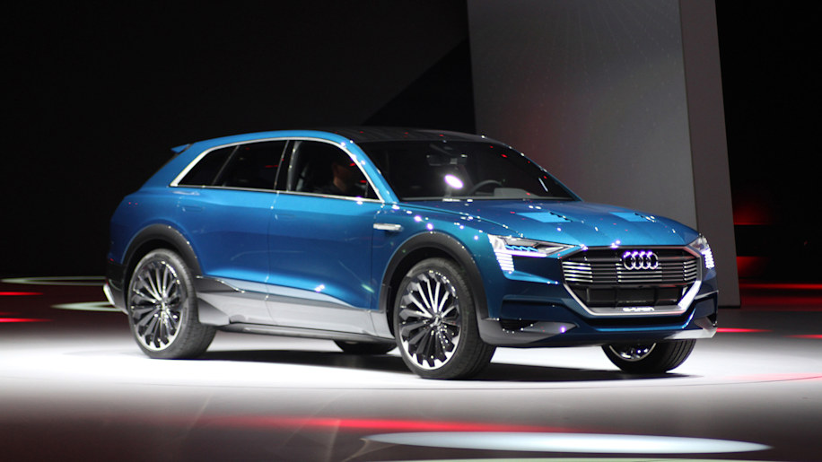 Audi E Tron Quattro Concept Is A Beautiful 311 Mile Ev
