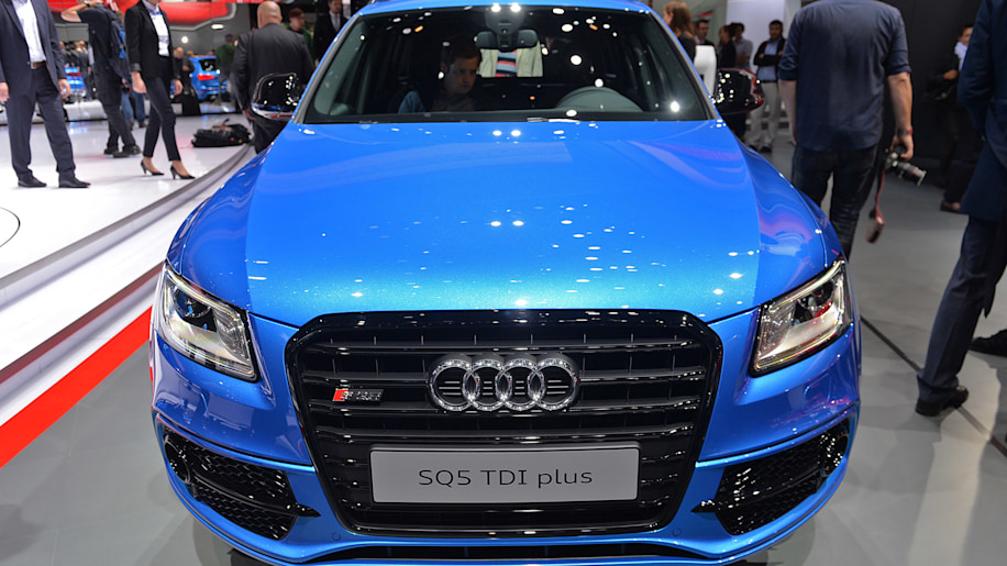 2016 audi sq5 tdi plus frankfurt 2015 photo gallery autoblog. Black Bedroom Furniture Sets. Home Design Ideas