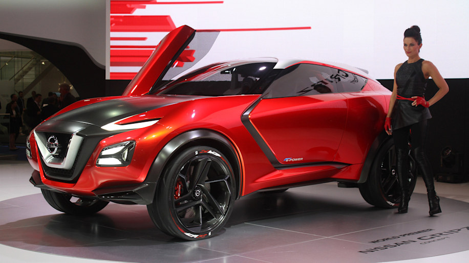 The Nissan Gripz concept unveiled at the 2015 Frankfurt Motor Show, front three-quarter view.