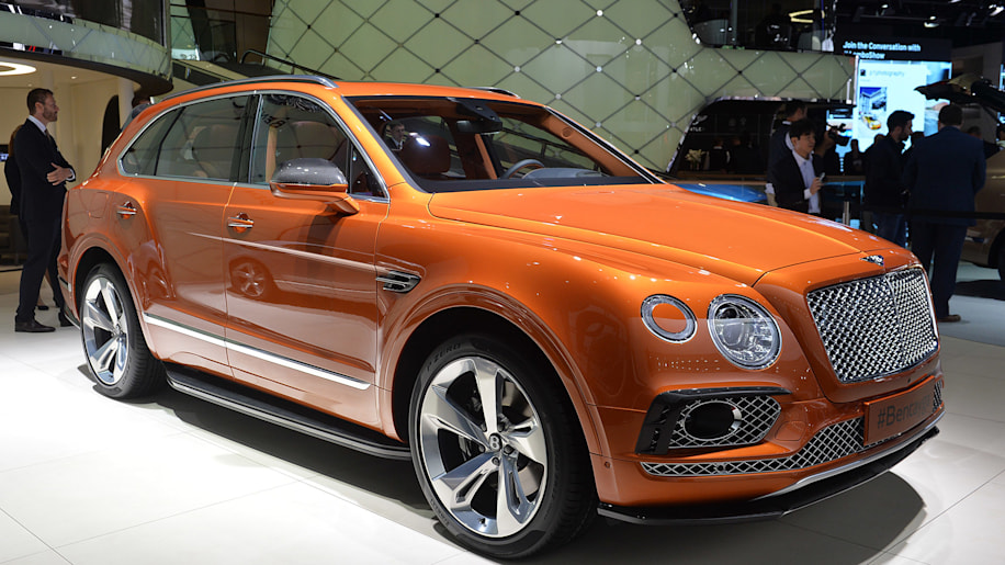 The Bentley Bentayga, unveiled at the 2015 Frankfurt Motor Show, front three-quarter view.