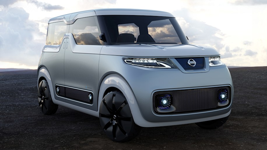 Nissan Teatro for Dayz Concept front 3/4