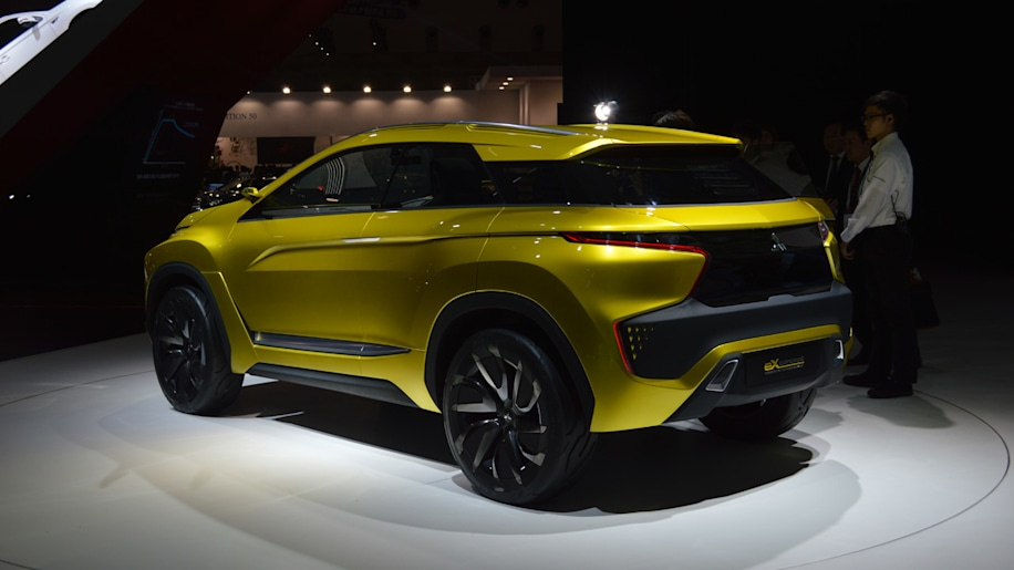 Mitsubishi's crossover plan: New model coming to Geneva ...