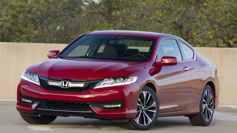 2016 honda accord coupe v6 quick spin autoblog. Black Bedroom Furniture Sets. Home Design Ideas