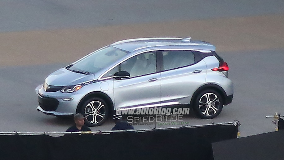 2017 Chevy Bolt caught uncovered