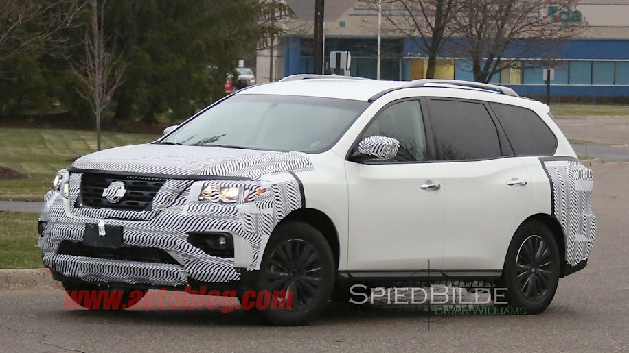 white 2017 nissan pathfinder spy shot