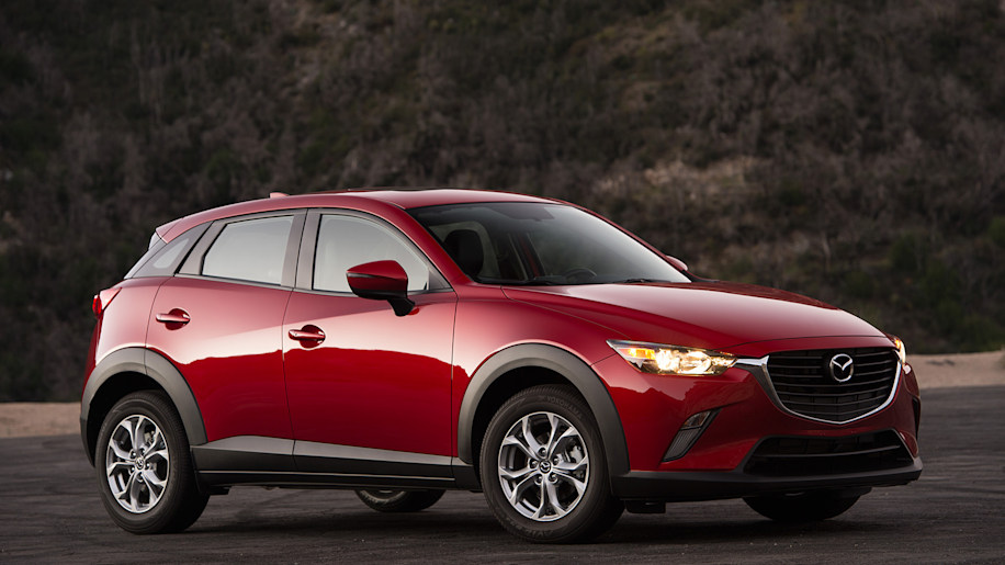2016 Mazda CX-3 front 3/4 view