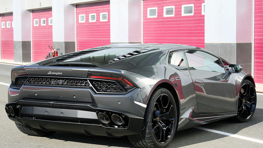 five different huracans lamborghini 39 s thinking about it. Black Bedroom Furniture Sets. Home Design Ideas