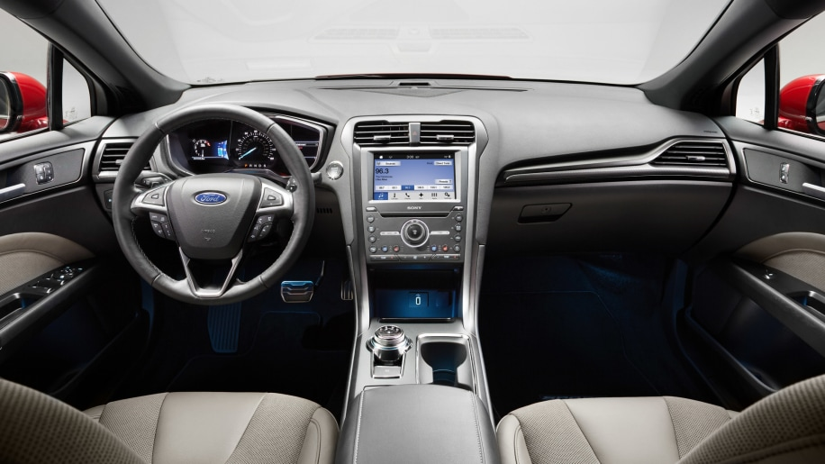 awd watertown ford white fusion htm sport oxford for cylinder ma sale