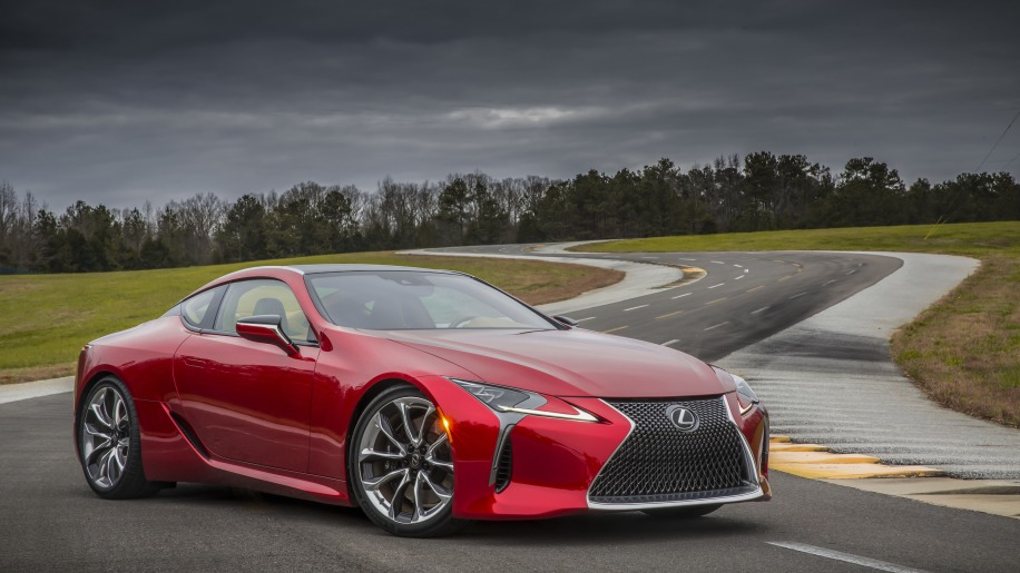 2017 lexus lc 500 coupe track front