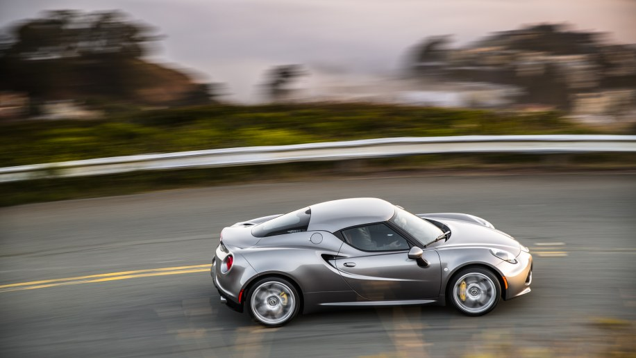 2016 alfa romeo 4c photo gallery autoblog. Black Bedroom Furniture Sets. Home Design Ideas
