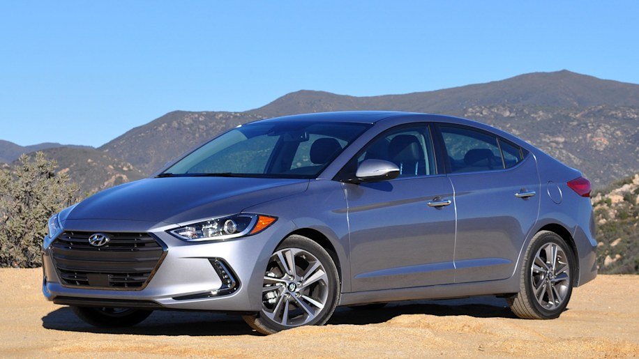 nine things we learned driving the 2017 hyundai elantra w video rh autoblog com Hyundai Semi Trailer Parts Hyundai Container Chassis