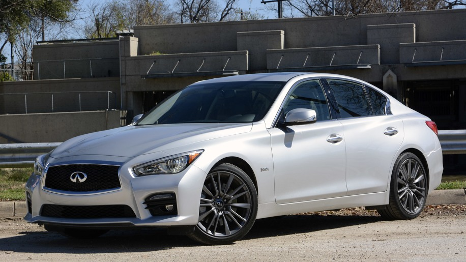 2016 Infiniti Q50 Red Sport 400 front 3/4 view