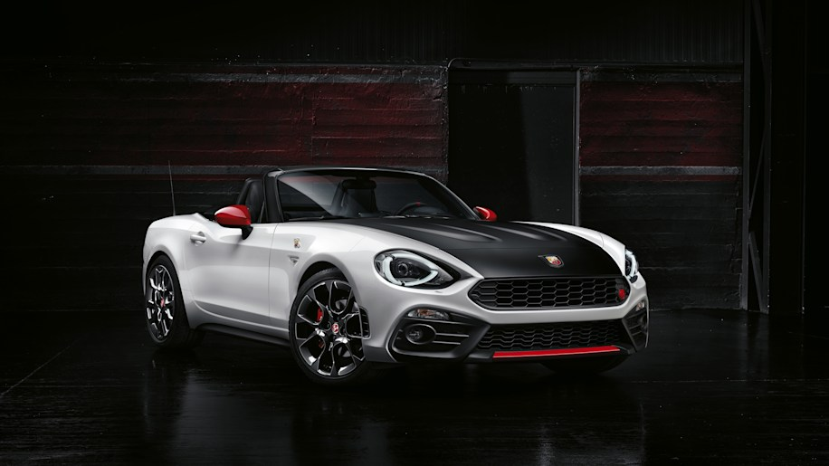 Abarth 124 Spider front 3/4