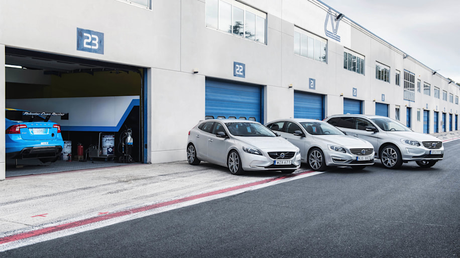 Polestar Performance Parts Volvo V40 S60 XC60 pit lane