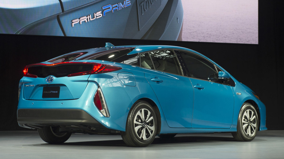 2017 toyota prius prime new york 2016 photo gallery autoblog. Black Bedroom Furniture Sets. Home Design Ideas