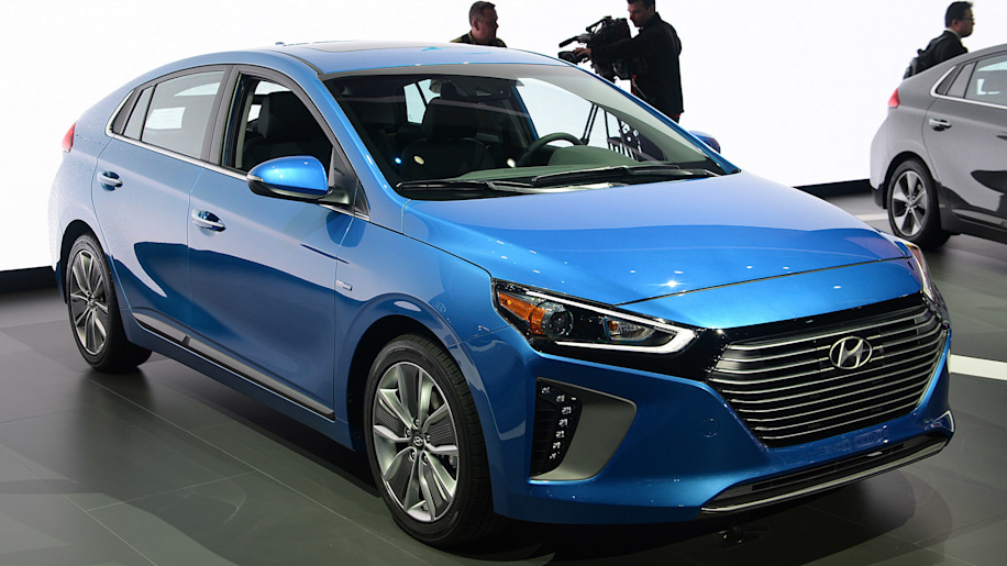 Hyundai planning 250-mile electric vehicle by 2020