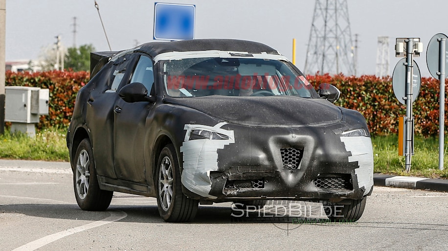 Alfa Romeo Stelvio spy shot front three-quarter