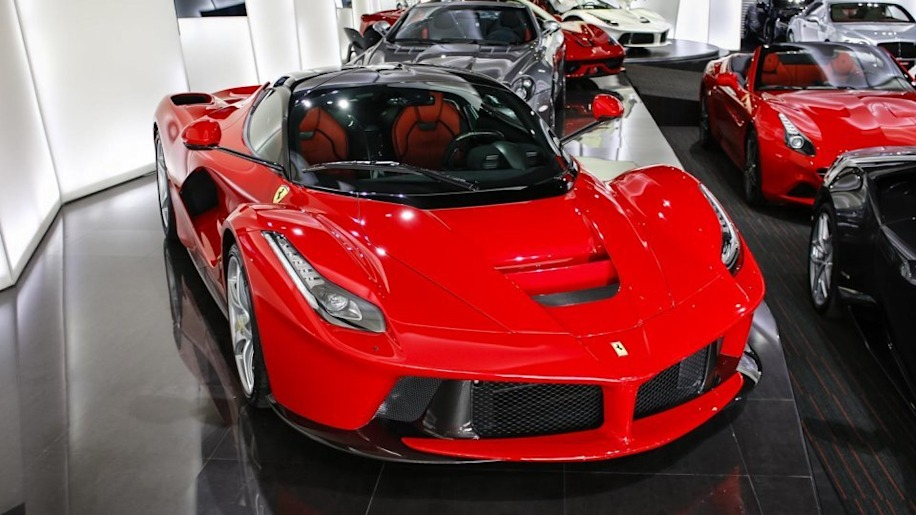 2014 Ferrari LaFerrari for sale in Dubai front 3/4
