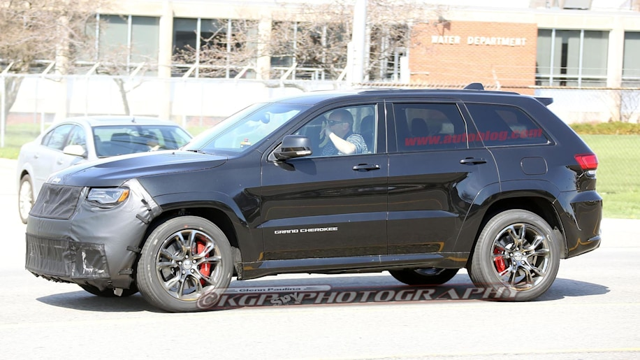 the jeep grand cherokee trackhawk is pretty much good to go autoblog. Black Bedroom Furniture Sets. Home Design Ideas