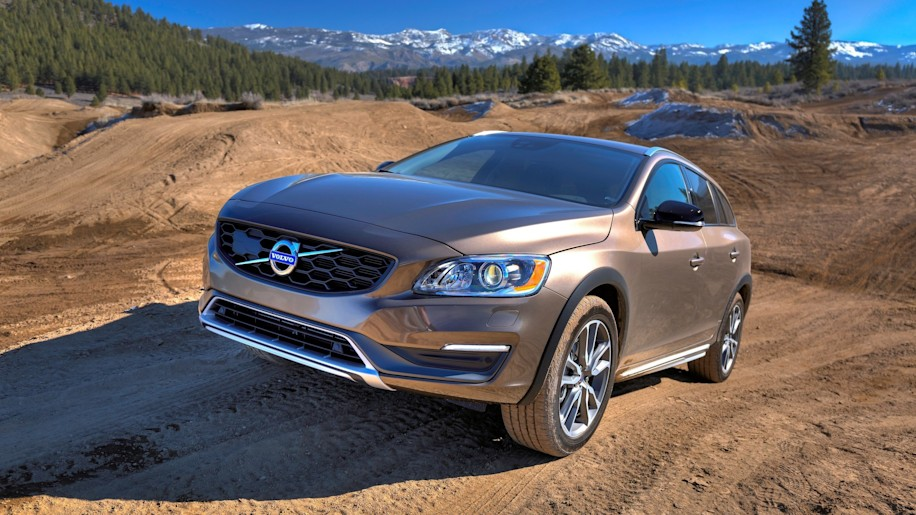 Volvo V60 Cross Country off road