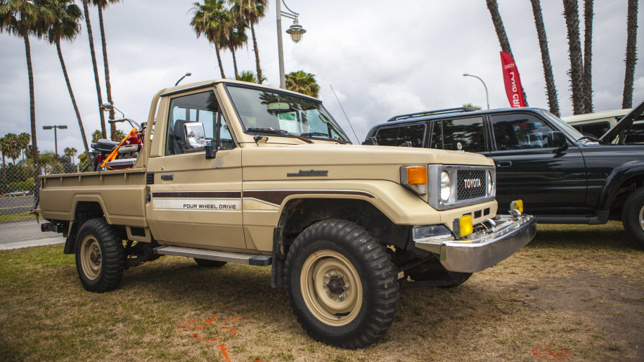 toyota land cruiser pickup truck