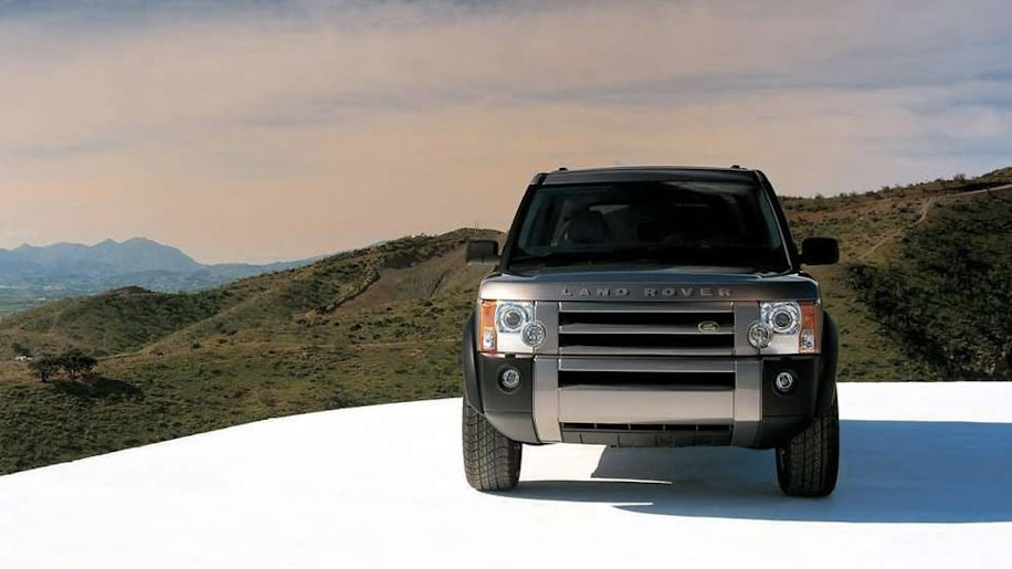 Land Rover LR3 in silver off-road