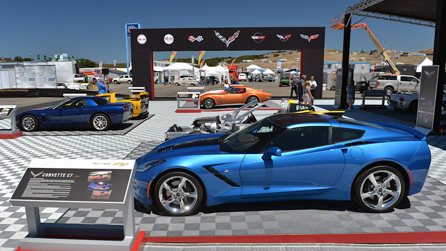 01-corvette-display-laguna-seca