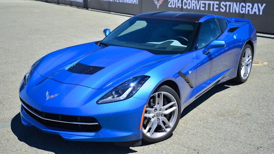 2014-chevy-corvette-c7 - 01
