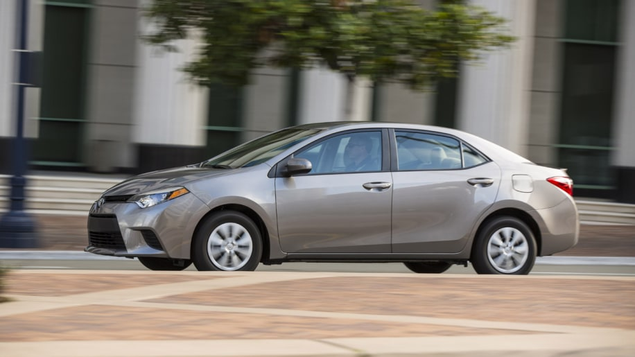 2014 toyota corolla priced from 16 800 autoblog. Black Bedroom Furniture Sets. Home Design Ideas
