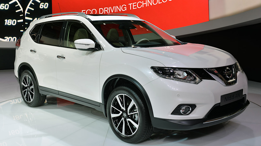 2014 nissan x trail is the rogue 39 s identical twin w video autoblog. Black Bedroom Furniture Sets. Home Design Ideas